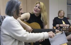 Musicoterapia ralentiza el Alzheimer y calma el Parkinson